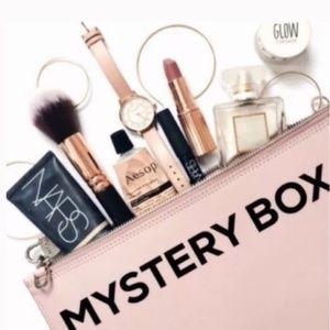 $100+ MAKEUP/SKINCARE MYSTERY BOX